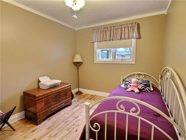 Detached at 2378 Raymond St, Clarence-Rockland, Ontario. Image 19
