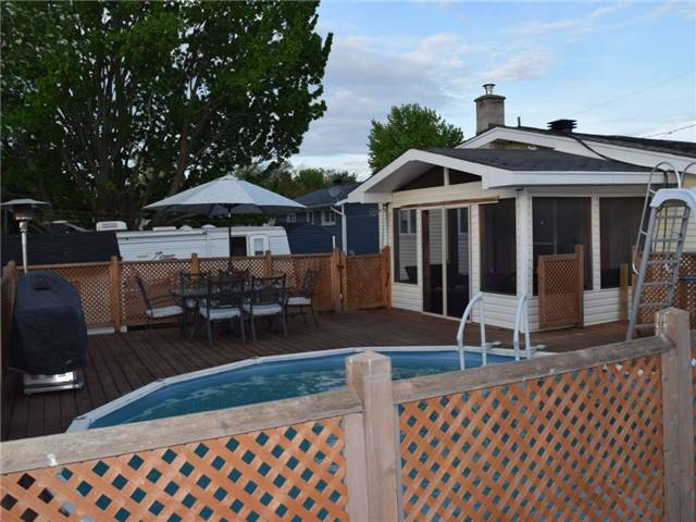 Detached at 2378 Raymond St, Clarence-Rockland, Ontario. Image 3