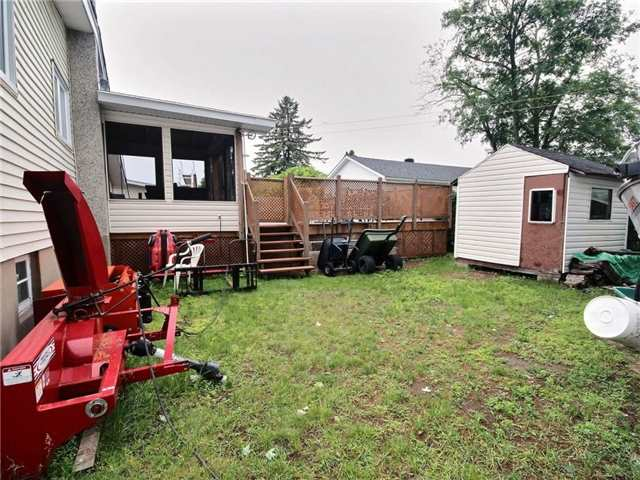 Detached at 2378 Raymond St, Clarence-Rockland, Ontario. Image 9