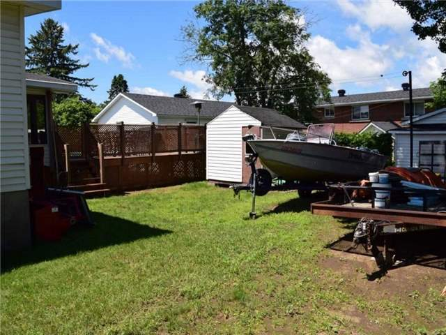 Detached at 2378 Raymond St, Clarence-Rockland, Ontario. Image 13