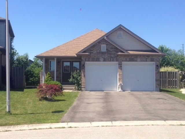 Detached at 908 Briar Crt, London, Ontario. Image 1