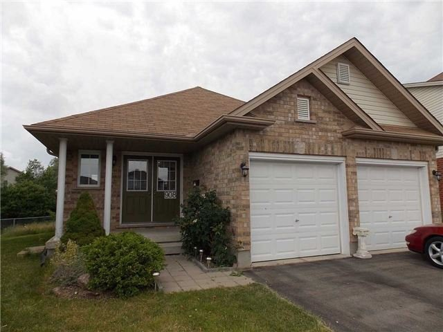 Detached at 908 Briar Crt, London, Ontario. Image 11