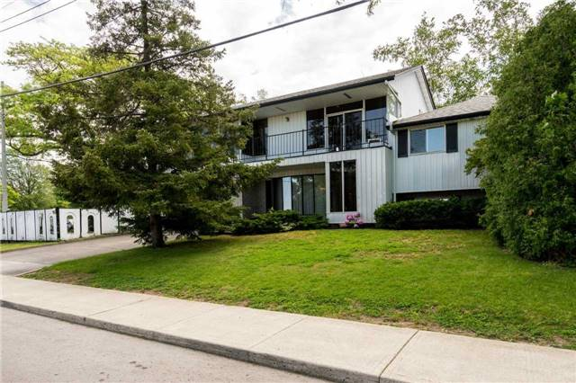 Detached at 70 Nova Dr, Hamilton, Ontario. Image 1