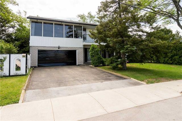 Detached at 70 Nova Dr, Hamilton, Ontario. Image 12