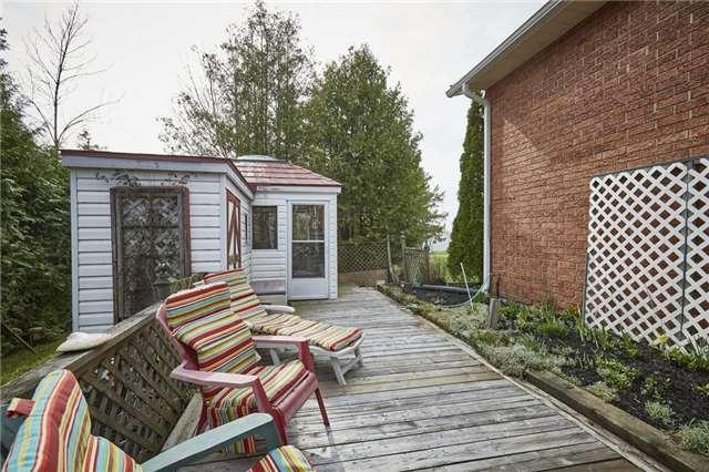 Detached at 27 Cedar Cres, Kawartha Lakes, Ontario. Image 8