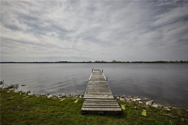Detached at 27 Cedar Cres, Kawartha Lakes, Ontario. Image 10