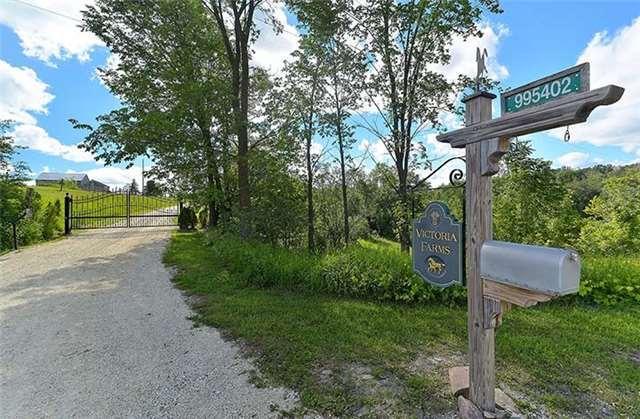 Detached at 995402 Mono-Adjala Townline, Mono, Ontario. Image 13