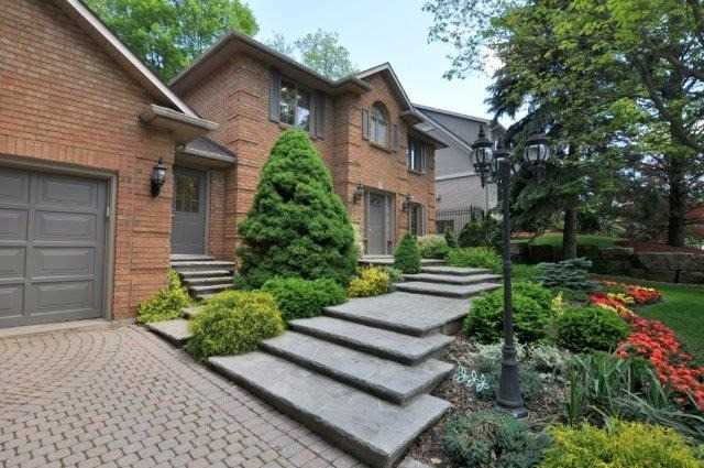 Detached at 115 Chancery Dr, Hamilton, Ontario. Image 1