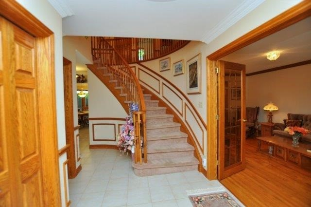 Detached at 115 Chancery Dr, Hamilton, Ontario. Image 10