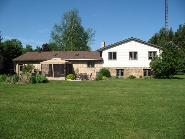 Detached at 9551 Sideroad 3  N, Minto, Ontario. Image 15