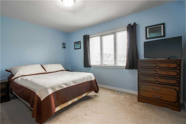 Townhouse at 847 Cook Cres, Shelburne, Ontario. Image 13
