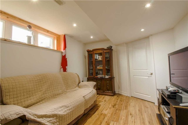 Townhouse at 847 Cook Cres, Shelburne, Ontario. Image 5