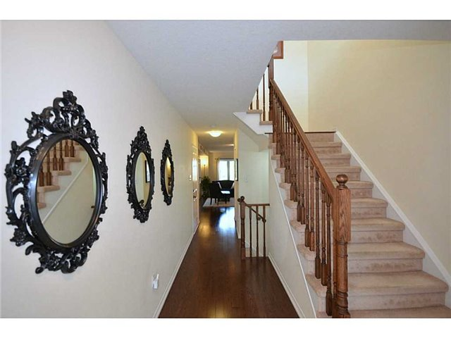 Townhouse at 12 Lynch Cres, Hamilton, Ontario. Image 11
