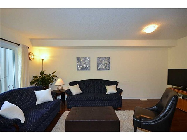 Townhouse at 12 Lynch Cres, Hamilton, Ontario. Image 13