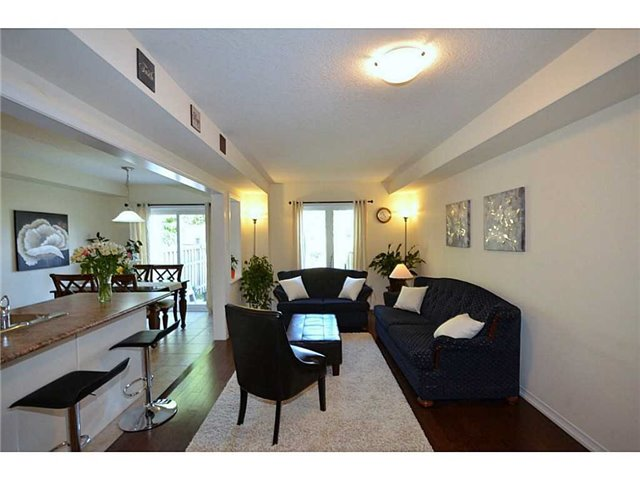 Townhouse at 12 Lynch Cres, Hamilton, Ontario. Image 14