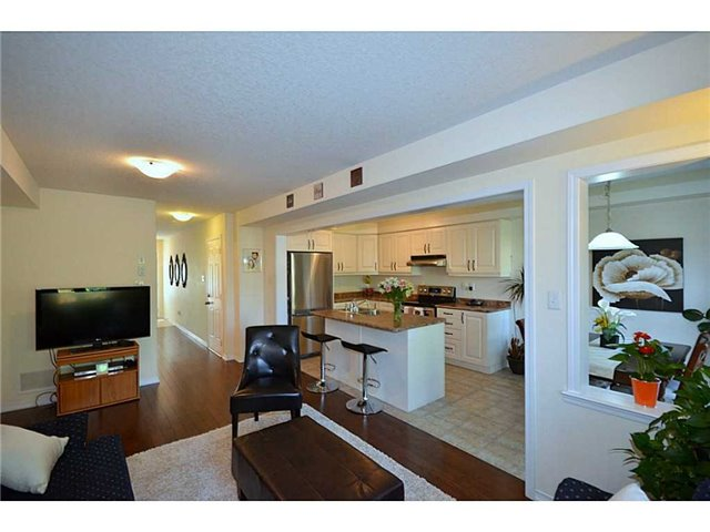 Townhouse at 12 Lynch Cres, Hamilton, Ontario. Image 17