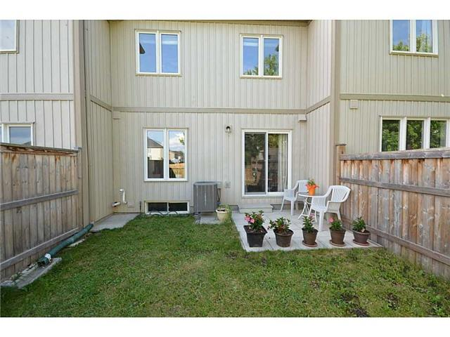 Townhouse at 12 Lynch Cres, Hamilton, Ontario. Image 10