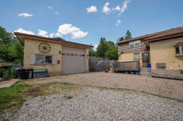 Triplex at 142 Bridgeport Rd E, Cambridge, Ontario. Image 5