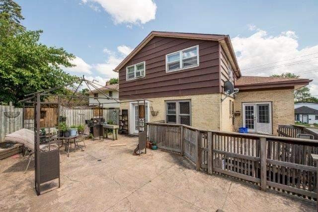 Triplex at 142 Bridgeport Rd E, Cambridge, Ontario. Image 6