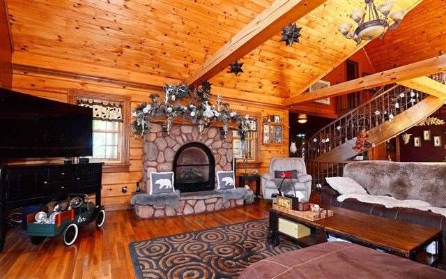 Detached at 870 6th Line West Rd, Trent Hills, Ontario. Image 18