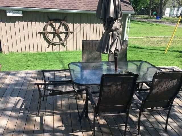 Cottage at 11 Beach Rd, Haldimand, Ontario. Image 3