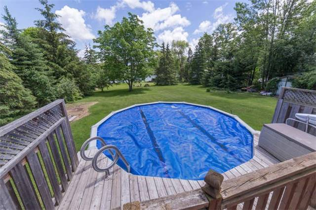 Detached at 15 Robinglade Dr, Kawartha Lakes, Ontario. Image 8