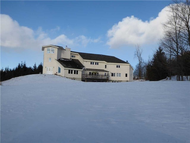 Detached at 5159 Fourth Line, Erin, Ontario. Image 1