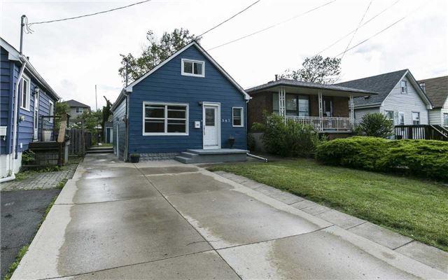 Detached at 587 Corbett St, Hamilton, Ontario. Image 1