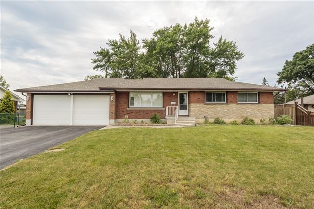 Detached at 7 Birchwood Circ, St. Catharines, Ontario. Image 1
