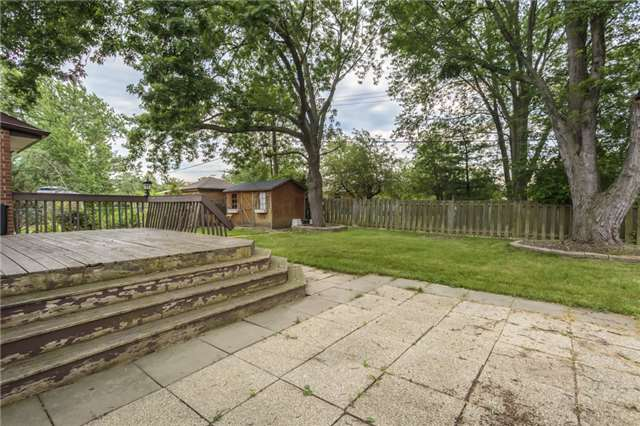 Detached at 7 Birchwood Circ, St. Catharines, Ontario. Image 6