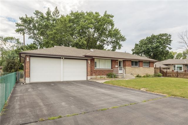 Detached at 7 Birchwood Circ, St. Catharines, Ontario. Image 7