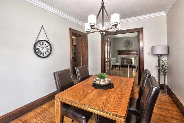 Detached at 1075 4th Ave W, Owen Sound, Ontario. Image 18