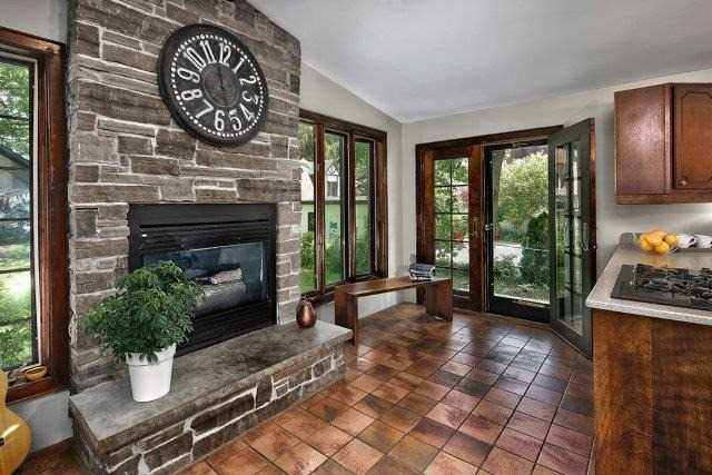 Detached at 1075 4th Ave W, Owen Sound, Ontario. Image 3