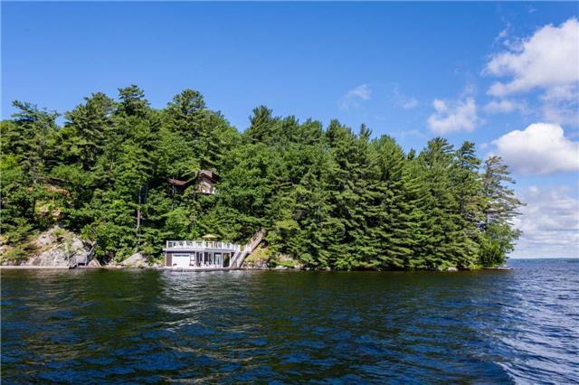 Cottage at 1001 Sagamo Blvd, Muskoka Lakes, Ontario. Image 12