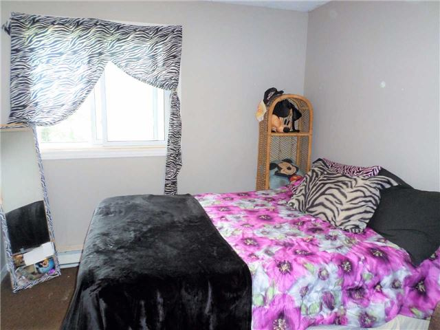 Condo Townhouse at 550 Second St, Unit 28, London, Ontario. Image 6