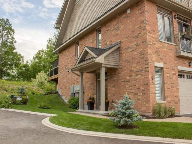 Townhouse at 100 Lionel Pt, Ottawa, Ontario. Image 1