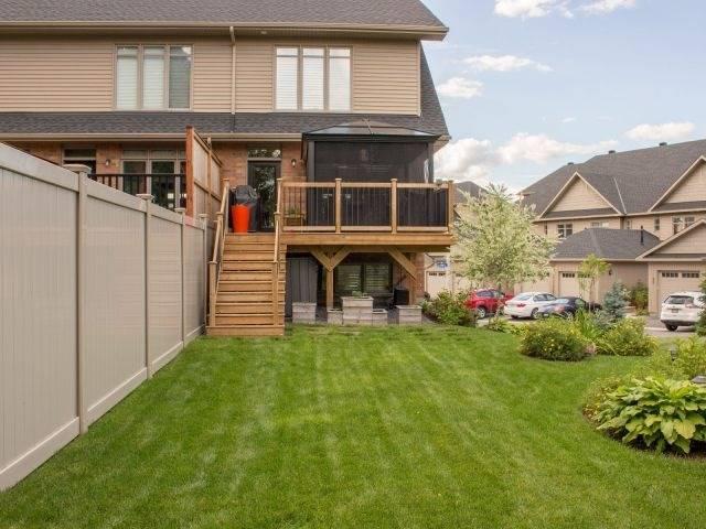 Townhouse at 100 Lionel Pt, Ottawa, Ontario. Image 9
