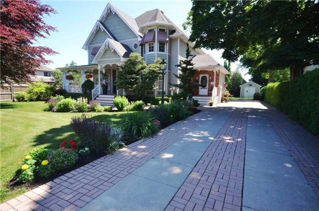 Detached at 64 Broadway Ave, St. Catharines, Ontario. Image 12