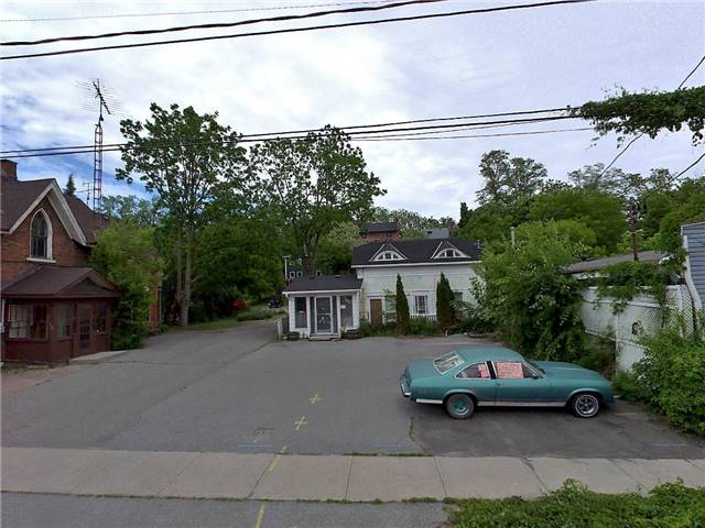 Detached at 49 Mill St S, Port Hope, Ontario. Image 2