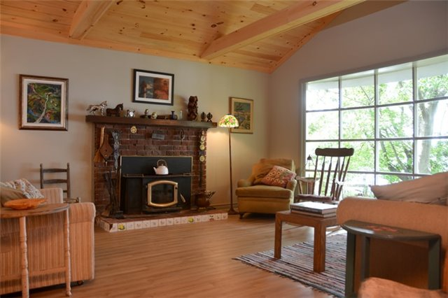 Cottage at 631 Morrison Point Rd N, Prince Edward County, Ontario. Image 19