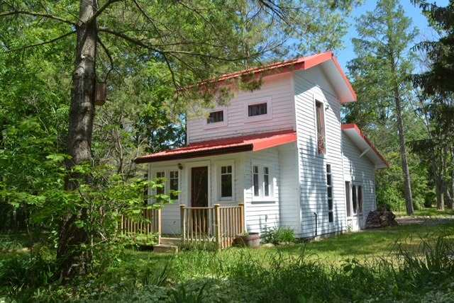 Cottage at 631 Morrison Point Rd N, Prince Edward County, Ontario. Image 8