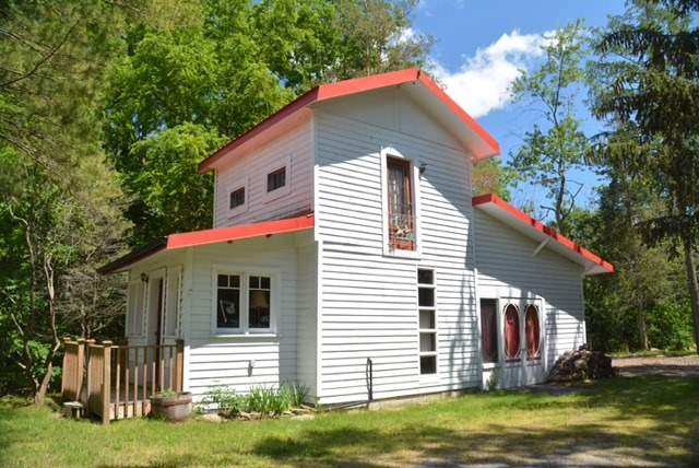 Cottage at 631 Morrison Point Rd N, Prince Edward County, Ontario. Image 10