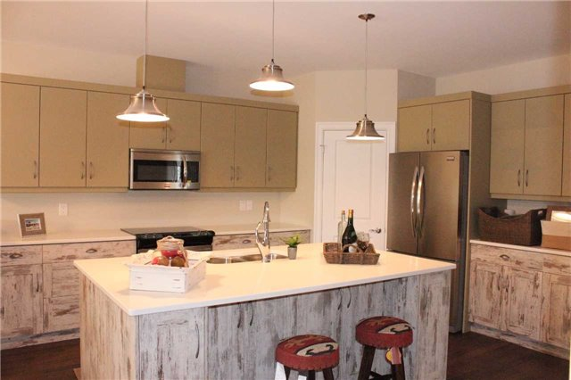 Townhouse at 67 Red Oak Cres, Amherstburg, Ontario. Image 2