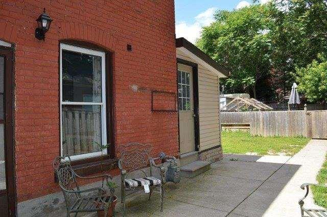 Detached at 17 Smith Ave, Hamilton, Ontario. Image 9