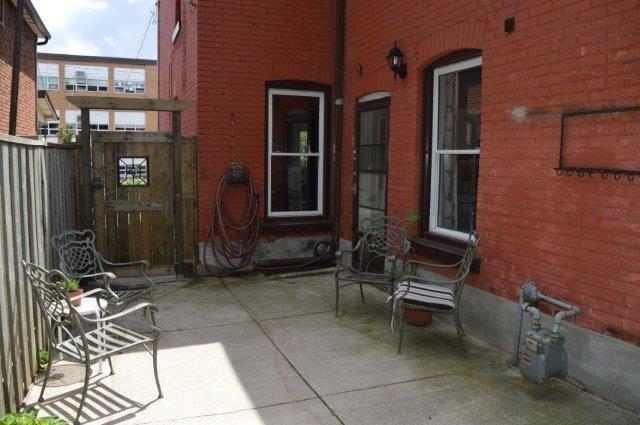 Detached at 17 Smith Ave, Hamilton, Ontario. Image 10