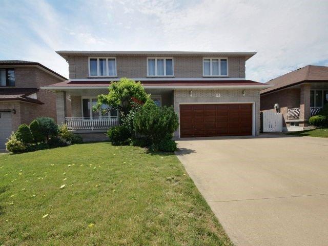 Detached at 32 Ellen Ave, Hamilton, Ontario. Image 12