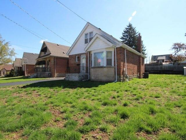 Detached at 57 Rosedale Ave, Hamilton, Ontario. Image 12