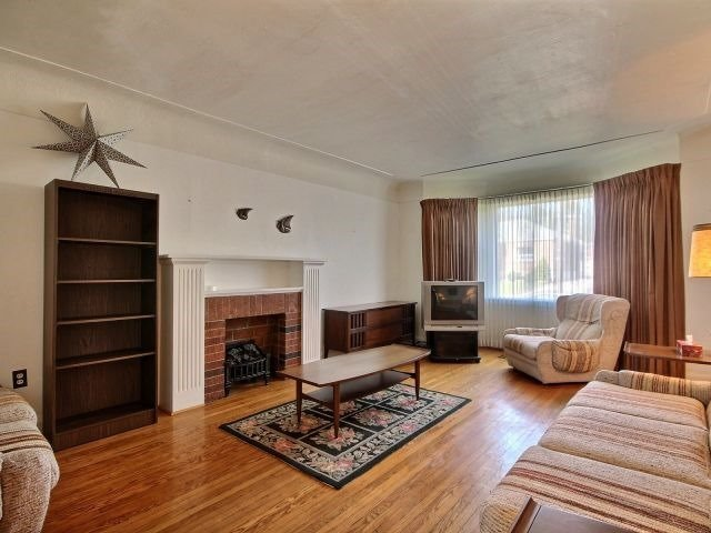Detached at 57 Rosedale Ave, Hamilton, Ontario. Image 16