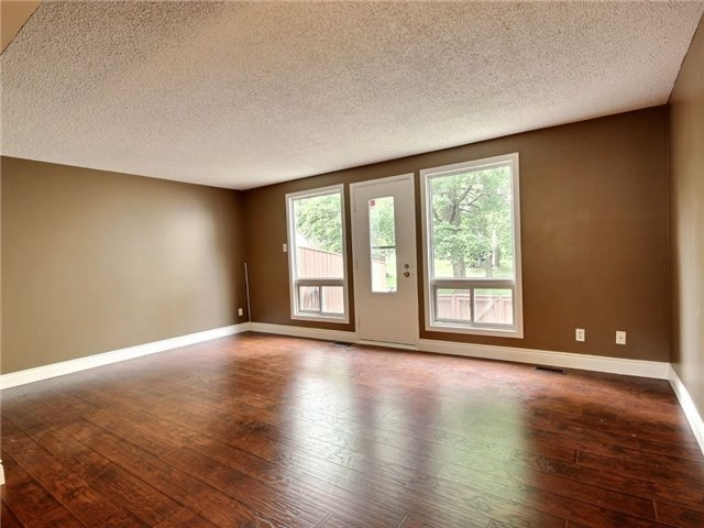 Condo Townhouse at 43 Woodfield Dr, Unit D, Ottawa, Ontario. Image 9