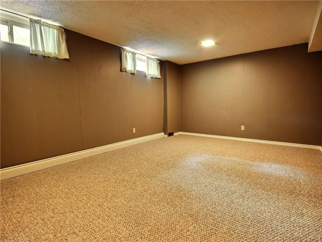 Condo Townhouse at 43 Woodfield Dr, Unit D, Ottawa, Ontario. Image 15